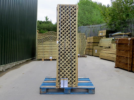 Continental Trellis on a pallet ready for courier delivery