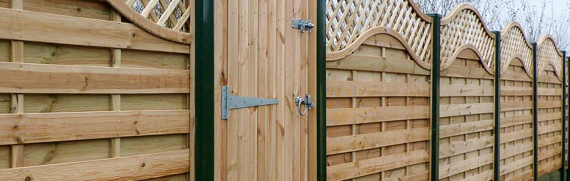 Fence Installation with Pennine Continental Fence Panels.